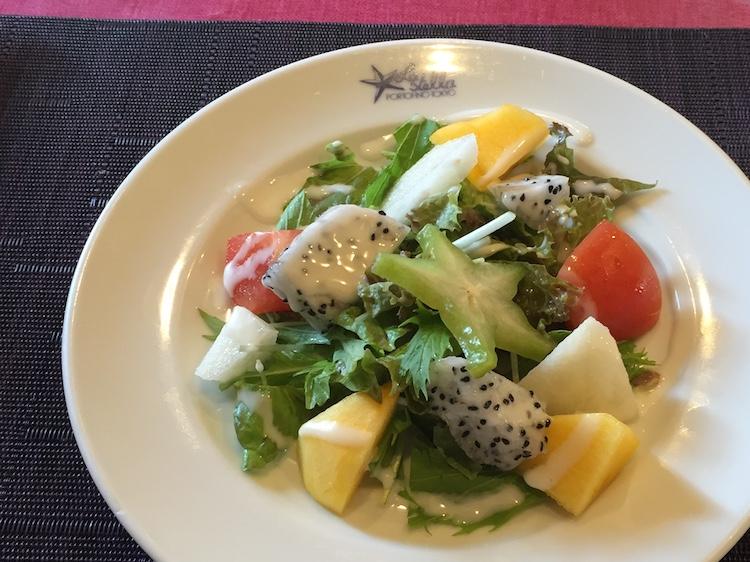 イタリア料理星のヒカリのサラダ