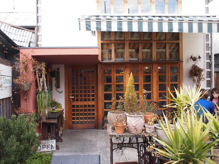 Cafe Bar&Zakka ANTICAアンティカの外観