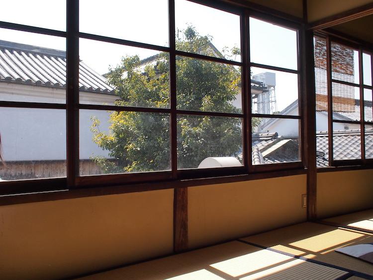 町家喫茶三宅商店 の2階座敷席